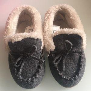 Gap boys Slippers